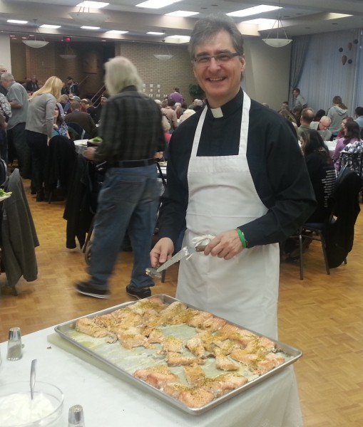 Fr. Peter serving at the Pyrohy Supper