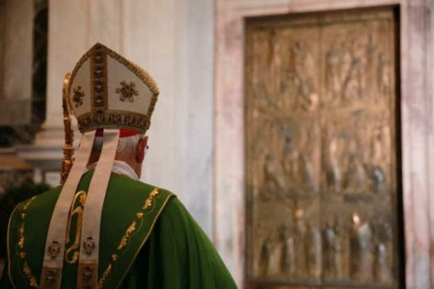 Year of Mercy ends, Holy Doors close around the world